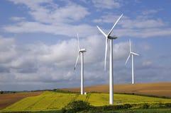 De turbine van de wind op gebied stock foto