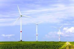 De turbinelandbouwbedrijf van de wind Stock Afbeeldingen