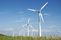 De turbinelandbouwbedrijf van de wind stock afbeelding