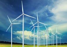 De turbines die van de wind elektriciteit produceren royalty-vrije stock fotografie