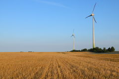 De turbines die van de wind macht produceren Royalty-vrije Stock Foto's