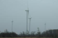 De turbines van de wind op een gebied Stock Fotografie