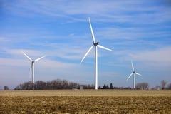 De turbines van de wind op gebied Royalty-vrije Stock Afbeeldingen