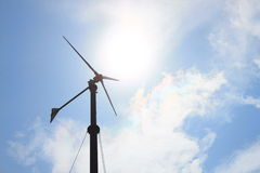 De turbines van de wind op groen gebied Royalty-vrije Stock Fotografie