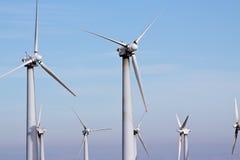 De turbines van de wind voor schone energie royalty-vrije stock foto