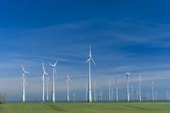 De turbineslandbouwbedrijf van de wind Royalty-vrije Stock Foto's