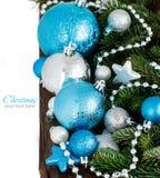 De turkooise en zilveren grens van Kerstmisornamenten Royalty-vrije Stock Fotografie
