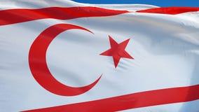 De Turkse Republiek van de Noordelijke vlag van Cyprus in langzame motie voorzag foutloos met a van een lus stock videobeelden