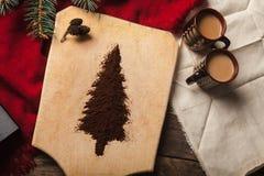De twee koppen van koffie op houten achtergrond Royalty-vrije Stock Afbeelding