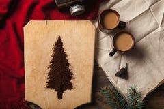 De twee koppen van koffie op houten achtergrond Royalty-vrije Stock Foto's