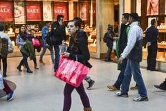 De tweede kerstdag is de bezigste het winkelen dag van het jaar Stock Afbeeldingen
