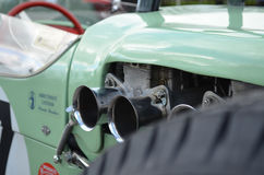 De tweelingcarburatoren van de vernauwingsauto Royalty-vrije Stock Foto's
