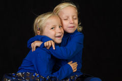 De tweelingentweelingen van het geknuffel Royalty-vrije Stock Foto's