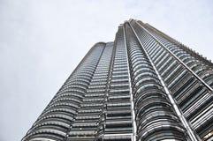 De tweelingtoren van Petronas in Kuala Lumpur Maleisië Royalty-vrije Stock Foto