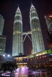 De TweelingTorens van Petronas bij Nacht royalty-vrije stock afbeeldingen
