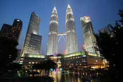 De TweelingTorens van Petronas, Kuala Lumpur Stock Foto's