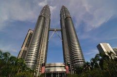 De TweelingTorens van Petronas in Kuala Lumpur, Maleisië Royalty-vrije Stock Afbeeldingen