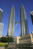 De TweelingTorens van Petronas, Kuala Lumpur, Maleisië stock fotografie