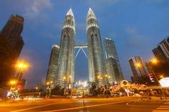 De TweelingTorens van Petronas, Kuala Lumpur, Maleisië Stock Foto's