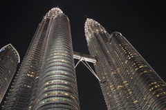 De TweelingTorens van Petronas, Kuala Lumpur, Maleisië Royalty-vrije Stock Foto