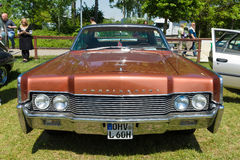 De two-door hardtop Lincoln Continental ( 1966) Royalty-vrije Stock Afbeeldingen