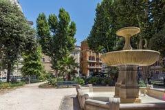 De typische bouw en tuin in stad van Rome, Itali? stock foto