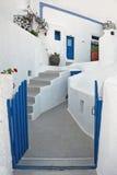 De typische bouw in Firostefani, Santorini, Griekenland Royalty-vrije Stock Afbeeldingen