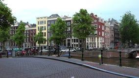De typische Kanalen van Amsterdam bekijken Stad van Amsterdam stock videobeelden