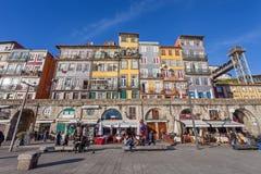 De typische kleurrijke gebouwen van het Ribeira District Royalty-vrije Stock Afbeelding