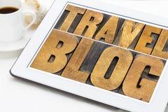 De typografie van de reisblog op tablet Stock Foto