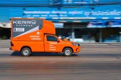 De uitdrukkelijke logistische vrachtwagen van Kerry loopt stock fotografie