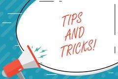 De Uiteinden en de Trucs van de handschrifttekst Concept die Suggesties betekenen om tot dingen gemakkelijkere Nuttige Adviezenop royalty-vrije illustratie