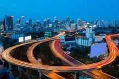 De uitgewisselde de Stadsachtergrond en de weg Van de binnenstad van Bangkok Royalty-vrije Stock Afbeelding
