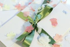 De uitnodiging van het huwelijk Stock Fotografie