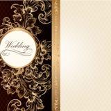 De uitnodigingskaart van het luxehuwelijk in retro stijl met wijnoogst ornam Royalty-vrije Stock Afbeeldingen