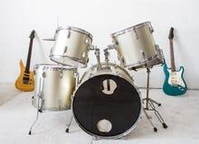 De uitrusting van de gitaar en van de trommel royalty-vrije stock foto