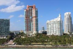 De uitstekende architecturale bouw bij Toevlucht de Zuid- van Miami stock fotografie