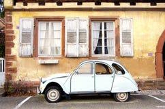De uitstekende auto van Ente oldtimer Stock Foto's
