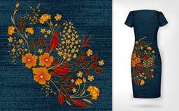 De uitstekende bloemen van het borduurwerkflard Toon borduurwerk op denim en kleed model Royalty-vrije Stock Afbeeldingen