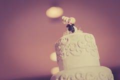 De uitstekende Cake verfraait voor Huwelijksceremonie Royalty-vrije Stock Foto's