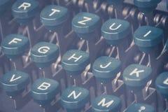 De uitstekende close-up van het schrijfmachinetoetsenbord Stock Afbeeldingen