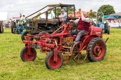 De uitstekende 2D Tractor van David Brown Stock Afbeelding