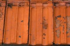 De uitstekende dakspanen van het textuur ceramische dak Stock Afbeelding