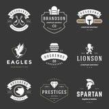 De uitstekende Geplaatste Malplaatjes van het Emblemenontwerp De vectorinzameling van logotypeselementen vector illustratie