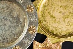 De uitstekende gouden en zilveren platen van kleurenkerstmis, decoratie Stock Afbeelding
