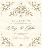 De uitstekende kaart van de huwelijksuitnodiging met bloemen en antieke decoratieve elementen Vector illustratie Stock Foto's