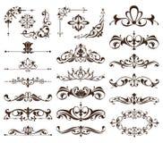 De uitstekende kaders, hoeken, grenzen met gevoelige wervelingen in Art Nouveau voor decoratie en ontwerp werkt met bloemenmotiev Stock Afbeeldingen