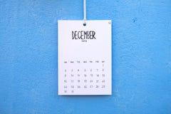 De uitstekende kalender met de hand gemaakte 2018 hangt op de muur Royalty-vrije Stock Foto's