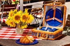 De uitstekende picknick van de biertuin Royalty-vrije Stock Afbeeldingen