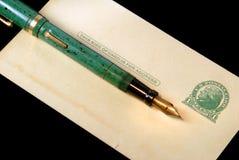 De uitstekende Prentbriefkaar en de Vulpen van Drie Cent Royalty-vrije Stock Foto's